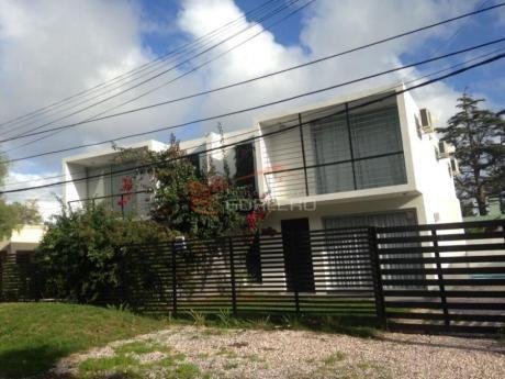 Casas En Playa Mansa: Gor25305c
