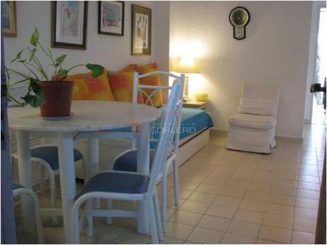 Apartamentos En Península: Gor2864a
