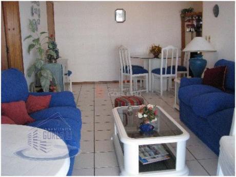 Apartamentos En Playa Mansa: Gor518a