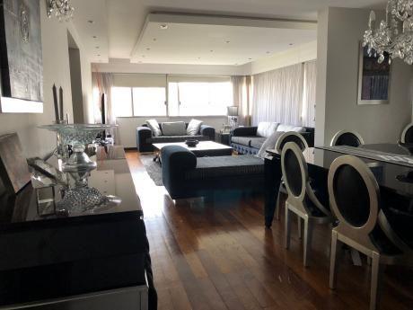 Apartamento De 3 Dormitorios Y Servicio - Amplio Y De Nivel!