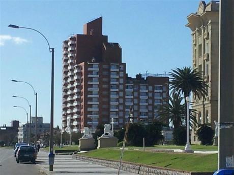 Excelente Apartamento En Edificio La Riviera