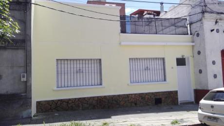 Amplia Casa! Gran Azotea C/ Parrillero. Opción 3 Dormitorios! Sin Gastos Comunes