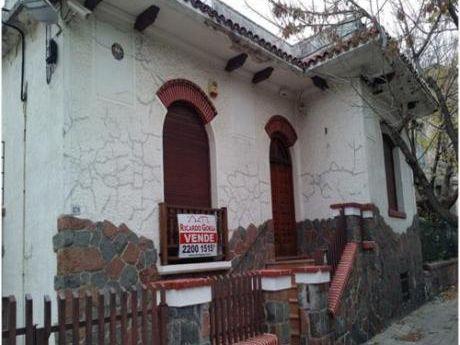 Casa En Agraciada Y Suárez