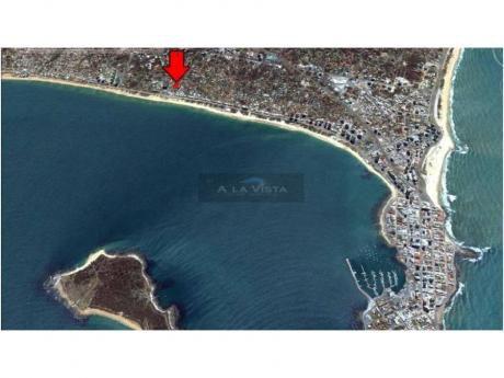 Casas En Playa Mansa: Alv89c