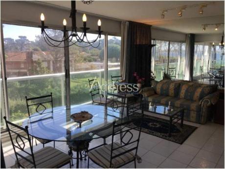 Apartamentos En Playa Mansa: Add1513a