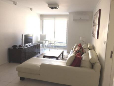 Apartamentos En Playa Brava: Add2176a