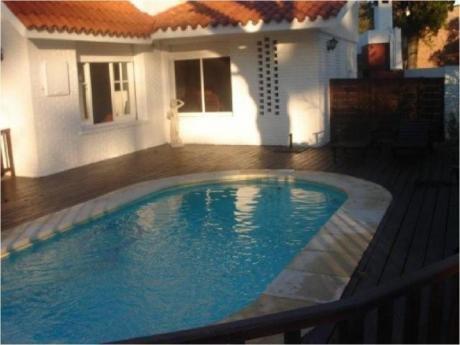 Casas En Playa Mansa: Zda1256c
