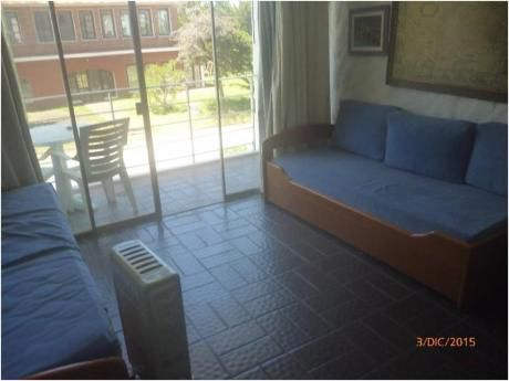 Apartamentos En Playa Mansa: Zda2009a