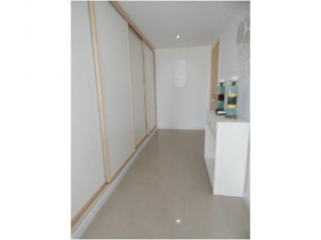 Apartamentos En Playa Mansa: Alx25a