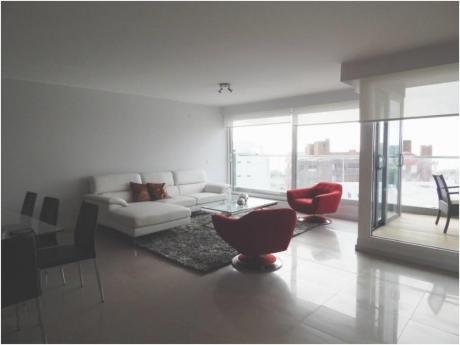 Apartamentos En Playa Mansa: Alx35a