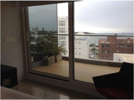 Apartamentos En Playa Mansa: Alx36a