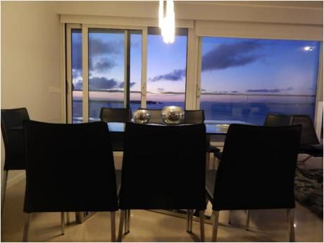 Apartamentos En Playa Mansa: Alx45a