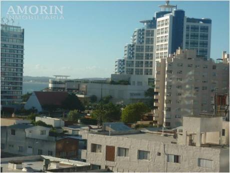 Apartamentos En Península: Amo39a