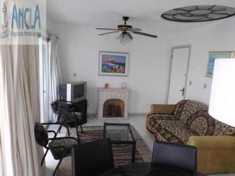 Apartamentos En Playa Brava: Anc183a