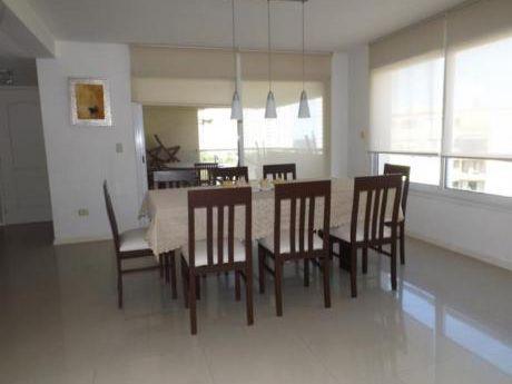 Apartamentos En Playa Brava: Anc409a