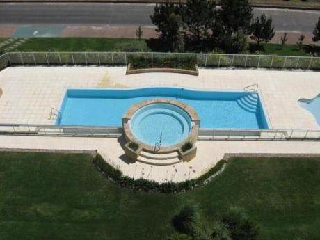 Apartamentos En Playa Mansa: Anc600a
