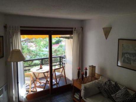 Apartamentos En Playa Brava: Anc851a