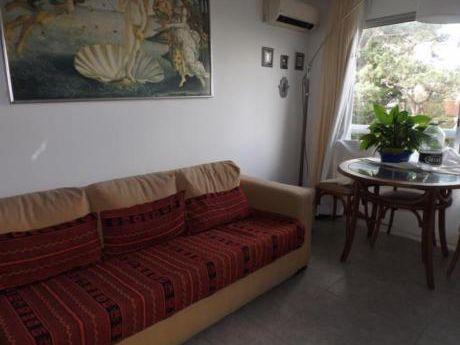 Apartamentos En Playa Mansa: Anc913a