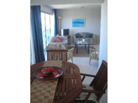 Apartamentos En Playa Mansa: And105a