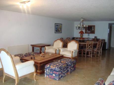 Apartamentos En Playa Brava: And181a