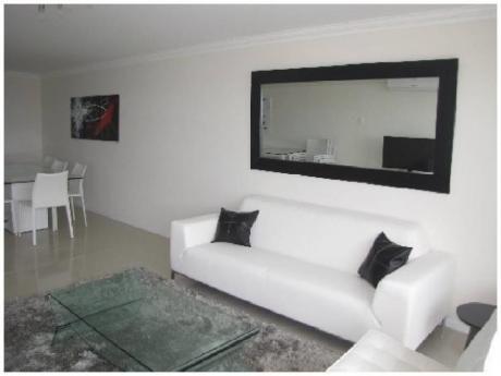 Apartamentos En Playa Brava: And2147a