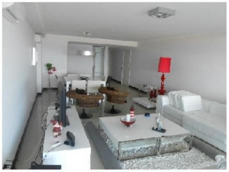 Apartamentos En Playa Brava: And2285a