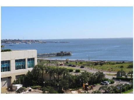 Apartamentos En Playa Mansa: And3063a