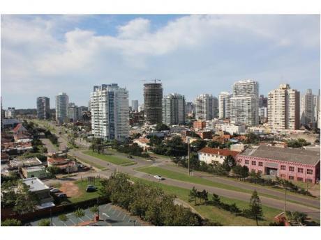 Apartamentos En Playa Mansa: And3564a
