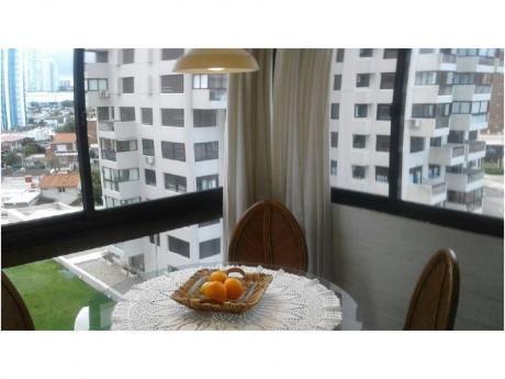 Apartamentos En Playa Brava: And3616a