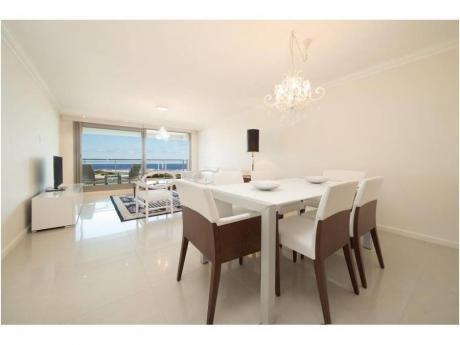 Apartamentos En Playa Brava: And3796a