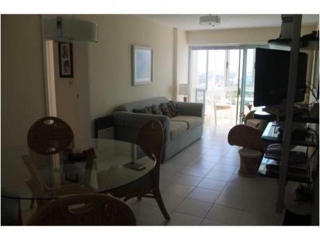 Apartamentos En Playa Brava: And4054a