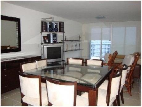 Apartamentos En Playa Mansa: And880a