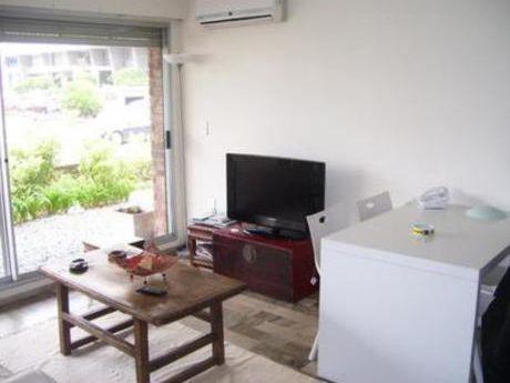 Apartamentos En Península: Bla1270a