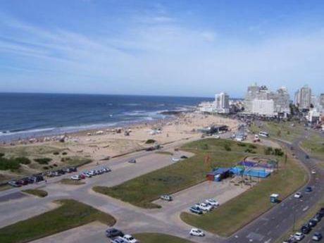Apartamentos En Playa Brava: Bla1543a
