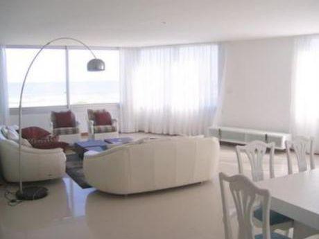 Apartamentos En Playa Brava: Bla1554a