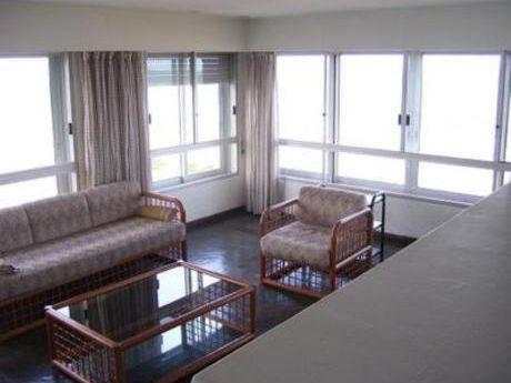 Apartamentos En Playa Brava: Bla1636a
