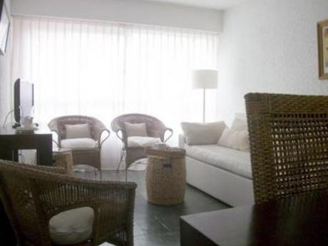 Apartamentos En Playa Brava: Bla816a