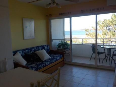 Apartamentos En Playa Mansa: Cyc132a