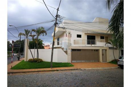 Hermoso Y Amplio Duplex Amoblado Sobre Stma. Trinidad