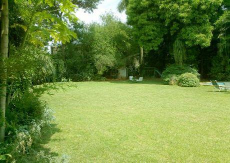 AtenciÓn Inversionistas Vendo Terrenos Uno En Esquina Excelente UbicaciÓn En Villa Morra Ideal Para Duplex O Condominio...