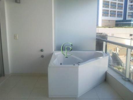 Apartamentos En Playa Mansa: Cpt10707a