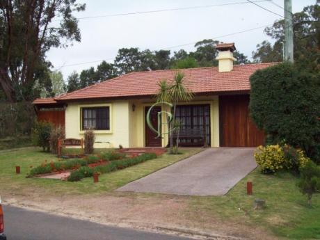 Casas En Playa Mansa: Cpt11747c