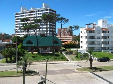 Apartamentos En Punta Del Este: Cro1131a