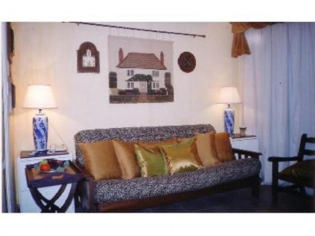 Apartamentos En Playa Mansa: Cro1175a