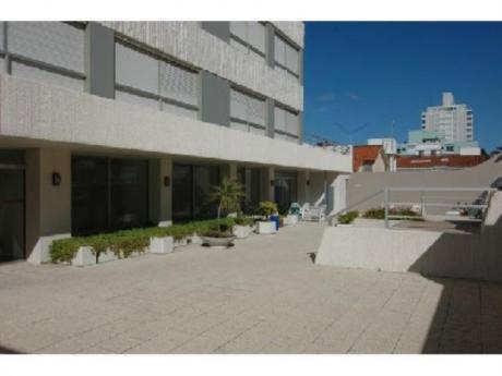 Apartamentos En Península: Cro1641a