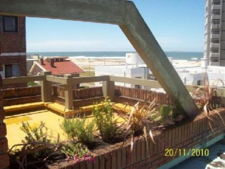 Apartamentos En Playa Brava: Cro1678a