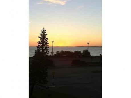 Apartamentos En Playa Mansa: Cro2175a