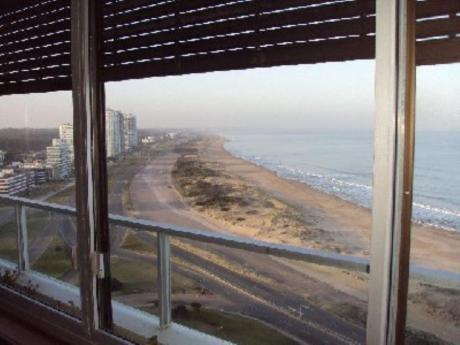 Apartamentos En Playa Brava: Cro2179a
