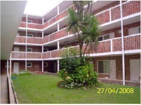 Apartamentos En Playa Brava: Cro2225a
