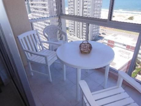 Apartamentos En Playa Brava: Cro2506a